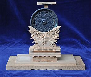 『銅製楓紋散双雀鏡01』の画像