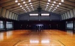 広い体育館