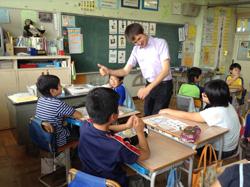『小学校の外国語活動の様子』の画像