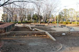 『富士見中央近隣公園(遊具-平均台-)』の画像