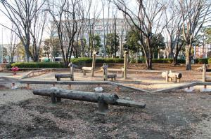 『富士見中央近隣公園(遊具・木馬)』の画像