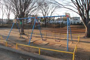 『富士見北児童公園(遊具・ブランコ)』の画像