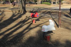 『脚折近隣公園(遊具・ライドタイプ)』の画像