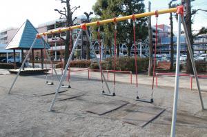 『富士見南児童公園(遊具・ブランコ)』の画像