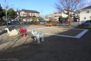 『八幡児童公園(遊具・砂場)』の画像