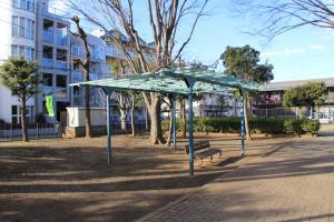 『八幡児童公園(藤棚)』の画像