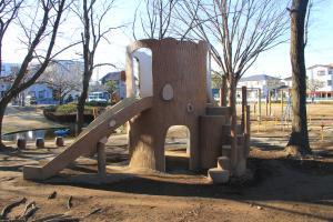 『雷電池児童公園(遊具・アスレチック滑り台)』の画像