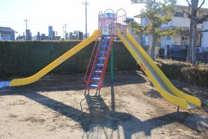 『北ヶ谷戸児童公園(滑り台)』の画像