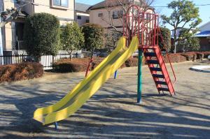 『下向児童公園(滑り台)』の画像