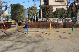 『下向児童公園(鉄棒)』の画像