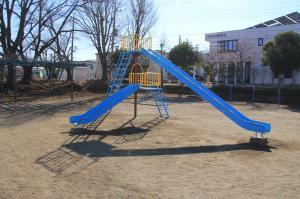 『羽折児童公園(滑り台)』の画像