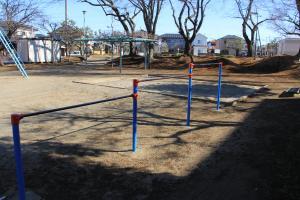 『羽折児童公園(鉄棒)』の画像