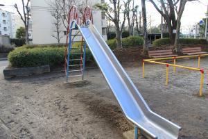 『大橋児童公園(滑り台)』の画像