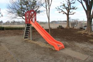 『鶴ヶ丘児童公園(滑り台)』の画像