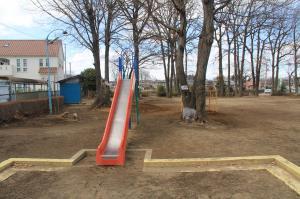 『どんぐり公園(滑り台・砂場)』の画像