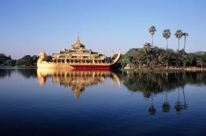 『ミャンマー写真(カンドージー湖)(1)』の画像