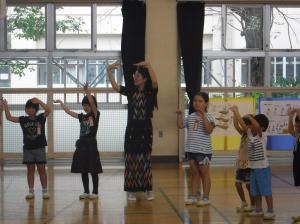 『民族舞踊の体験(1)』の画像