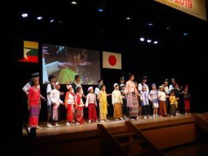 『ミャンマー祭り』の画像