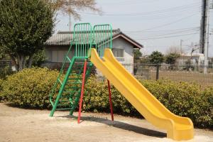 『稲荷公園(滑り台)』の画像