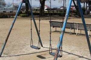 『稲荷公園(ブランコ)』の画像