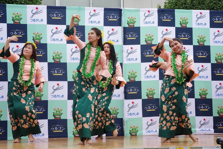 『民族舞踊(緑)』の画像